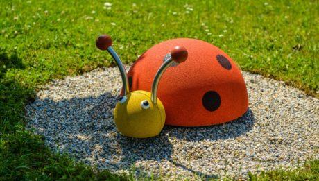 Remek köztéri játékokat terveztethet a céggel.